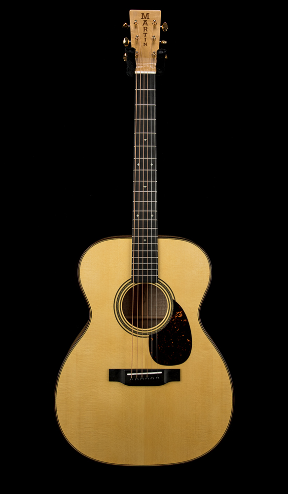 Martin Custom 0004 00014F Red Curly Maple #2354280 Front