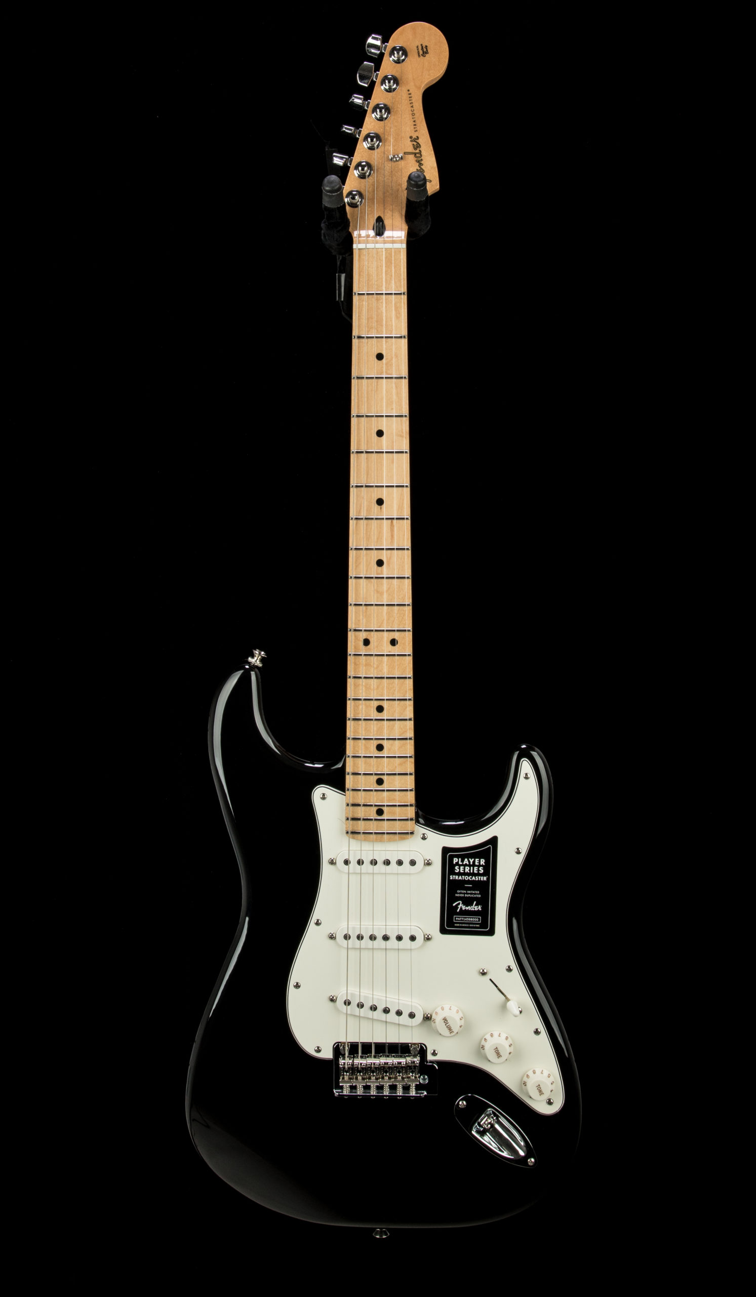 05 Player Strat MN BLK #MX21208545 Front