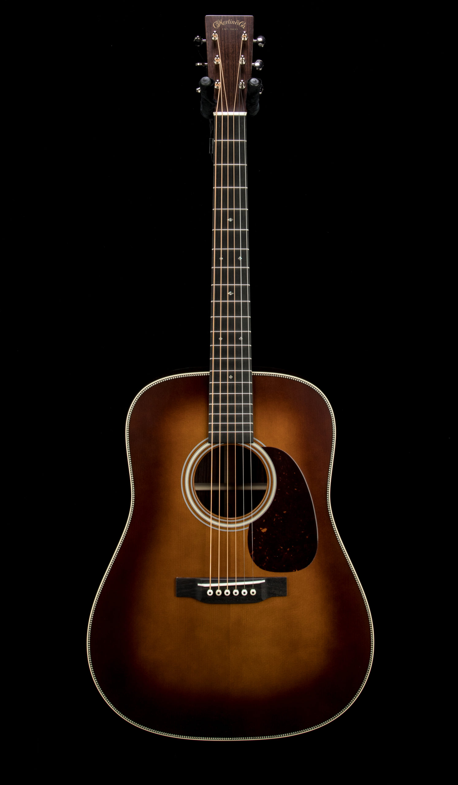 04 Martin Custom D28 Authentic Amber #2519977 Front